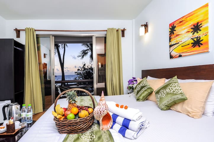 BEACH FRONT HOTEL SEAVIEW ROOM