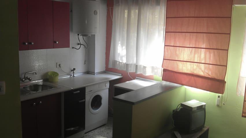 Piso de una habitación - Granada - Casa