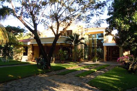 Acogedora Casa de Playa - Acajutla, Ctn. Los Cobanitos - Casa