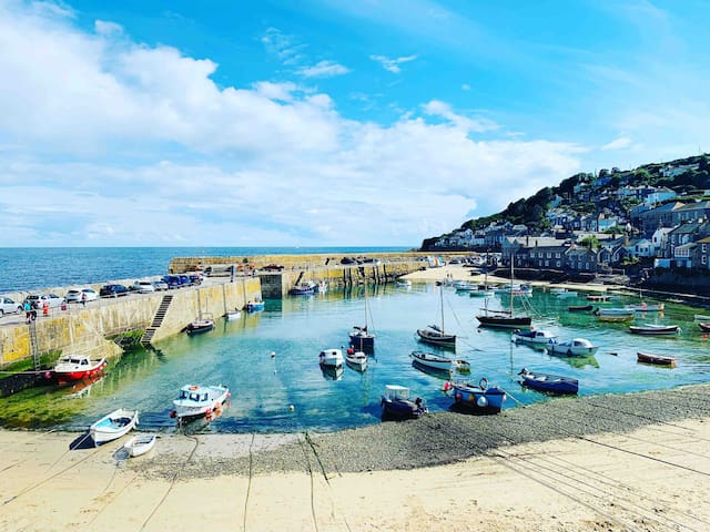 Mousehole beach and harbour only 5 minutes walk away