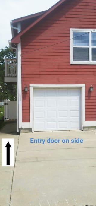 outdoor 1 car parking space and sidewalk to front door