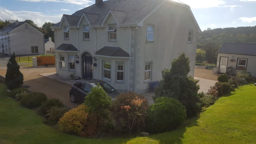 Spacious Double Room near Donegal Town