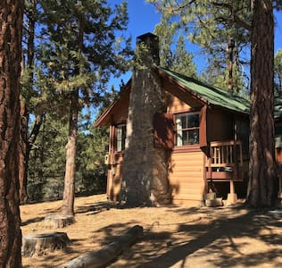 Secluded Goldilocks Cabin - Big Bear Lake
