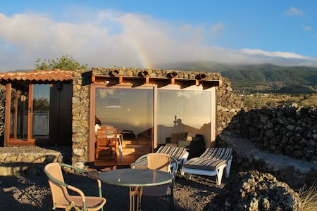 Casa Lily, new ocean view Chalet - Almhütte