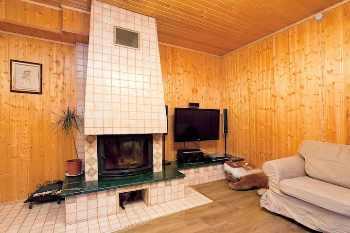 Уютный коттедж рядом с городом - Vaskelovo - Casa