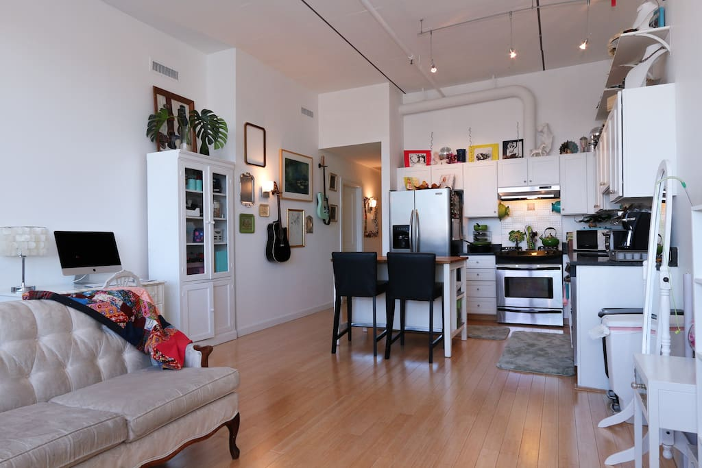 little loft in the big city apartments for rent in washington district of columbia united states. Black Bedroom Furniture Sets. Home Design Ideas
