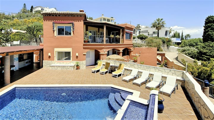 Villa completa con piscina privada en Salobreña