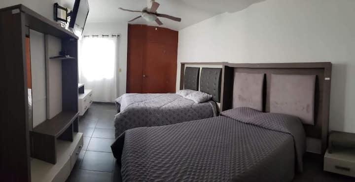 Habitacion o casa completa en Monterrey