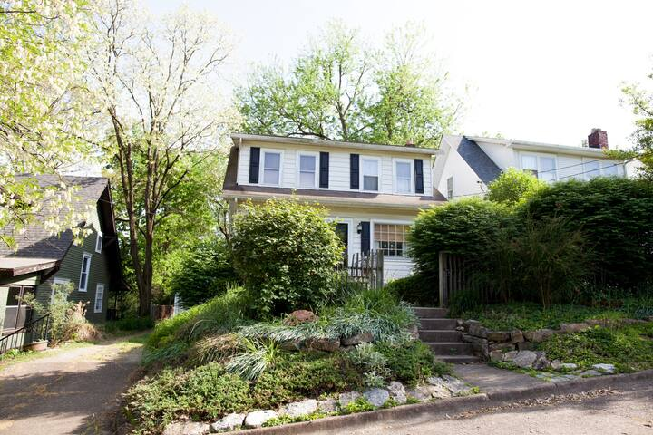 Historic Crescent Hill Home - Ideal for Derby - Louisville - House