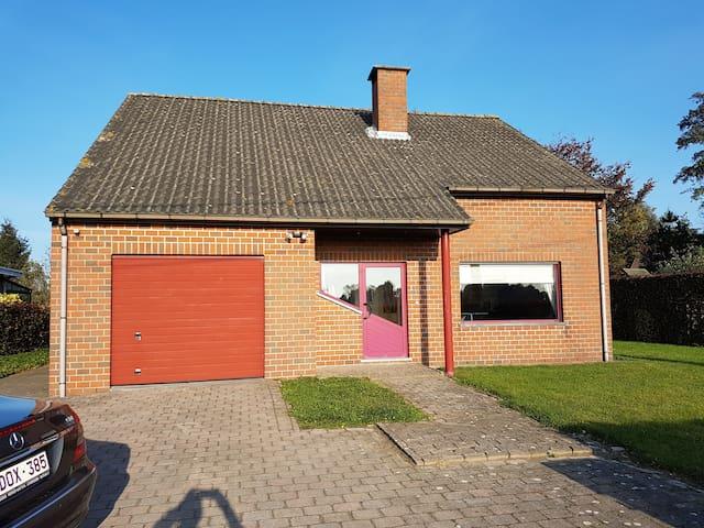 Vrijstaand huis in de noorderkempen - Wuustwezel - House