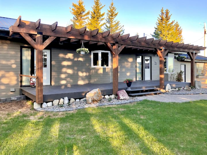 Rocky Mountain Guest House, gorgeous whole house
