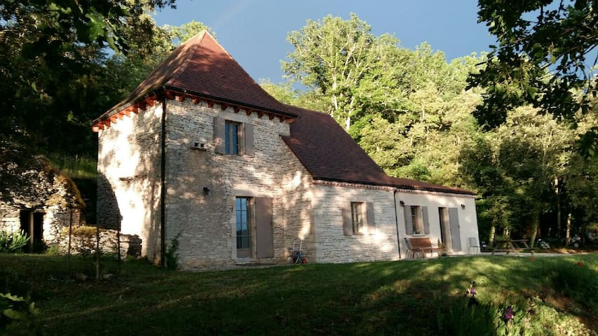 Maison vue sur la vallée de la Dordogne - La Roque-Gageac - Casa