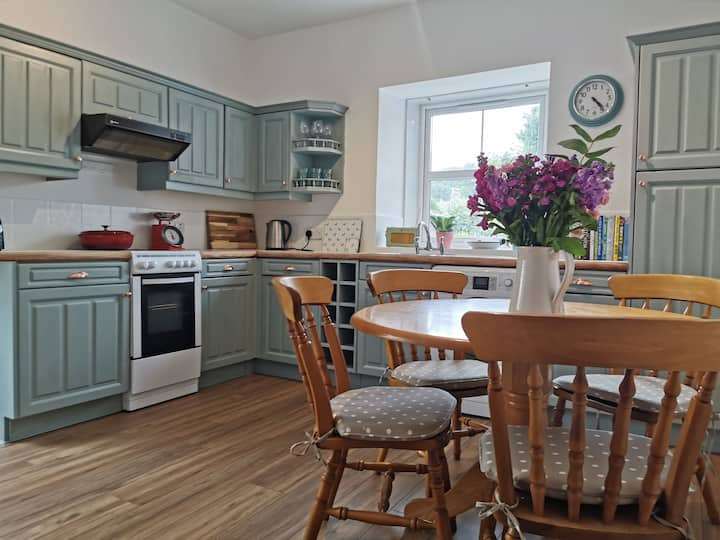 Cathedral View Apartment, Fortrose