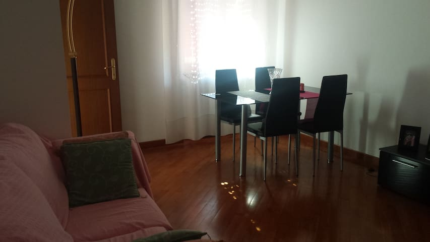 Cosy bedroom in fully equipped apartment - Tortona - Departamento