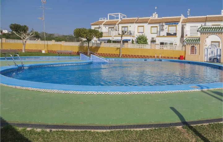 Semi-Detached with 2 bedrooms on 76m² in Orihuela Costa