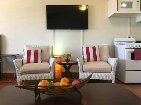 The Studio! A lovely, private, Guana Bay apartment