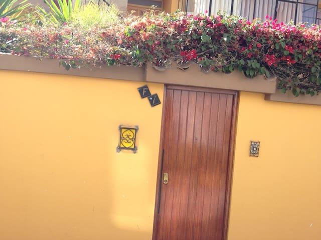 Casa adecuada para chicas. La mejor calidad/precio - Arequipa - Ev