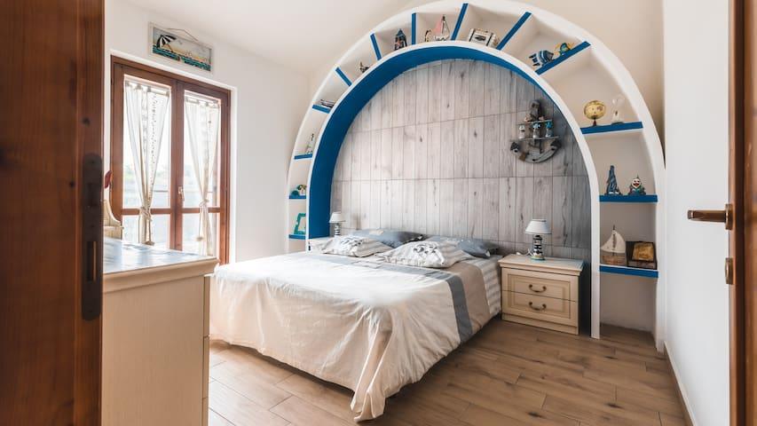 Captain bedroom