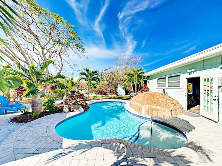 Private Pool, Cabana & Game Room - Walk to Beach