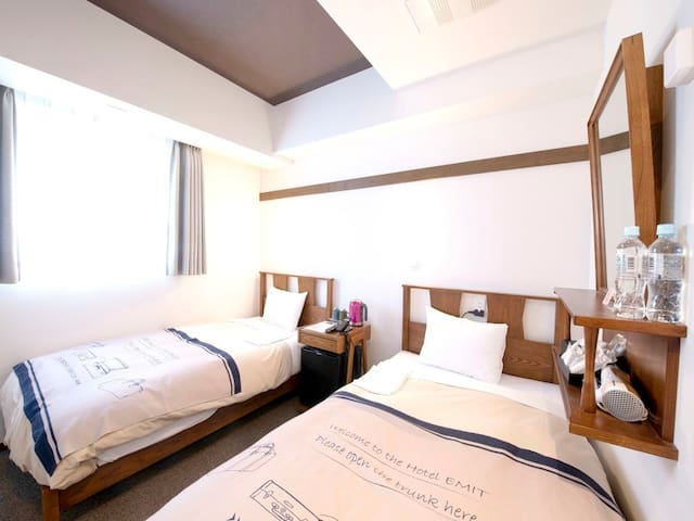 【  Twin room】 Mid point between Shibuya station and Harajuku station Popular area (with breakfast)