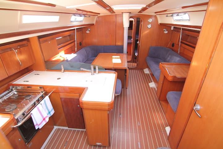 Estancia única en un gran y moderno velero