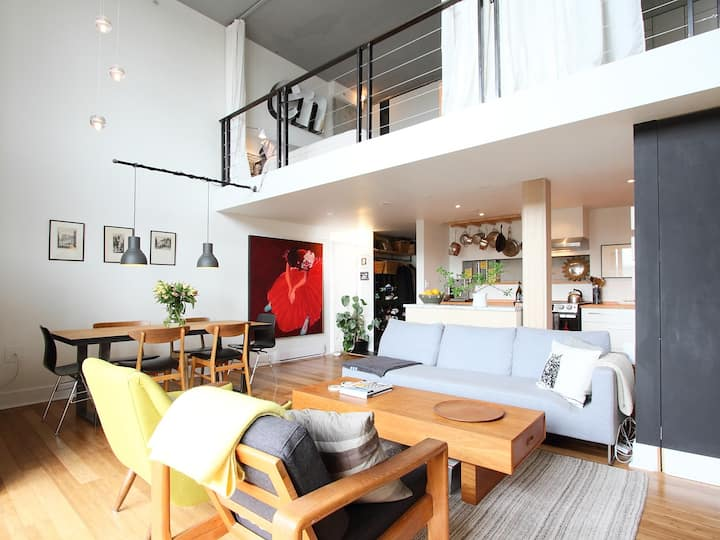 Spacious Loft | 2-Levels w/Balcony (shared room)