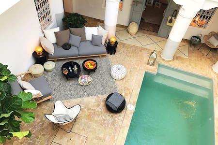 Riad de rêve avec piscine - Marrakech - House