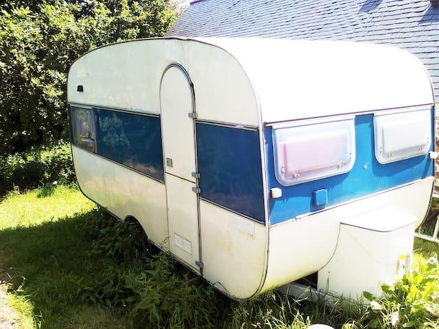 Tifolk - Caravane 4 personnes - Trémel - Wohnwagen/Wohnmobil