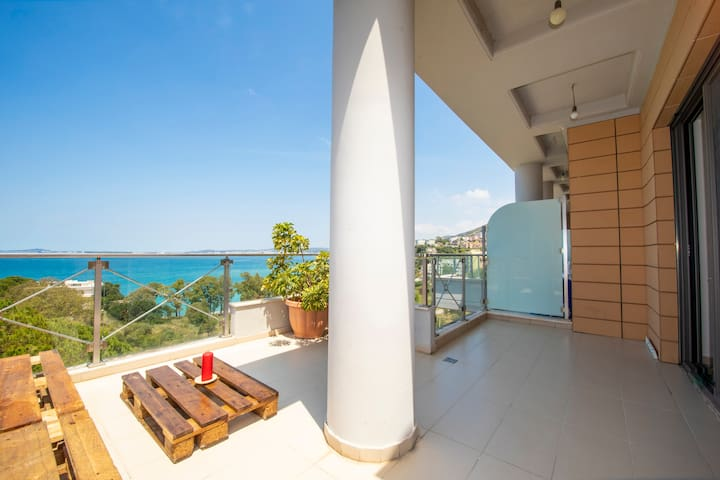 Diamond Hill Apartament With Amazing Sea View