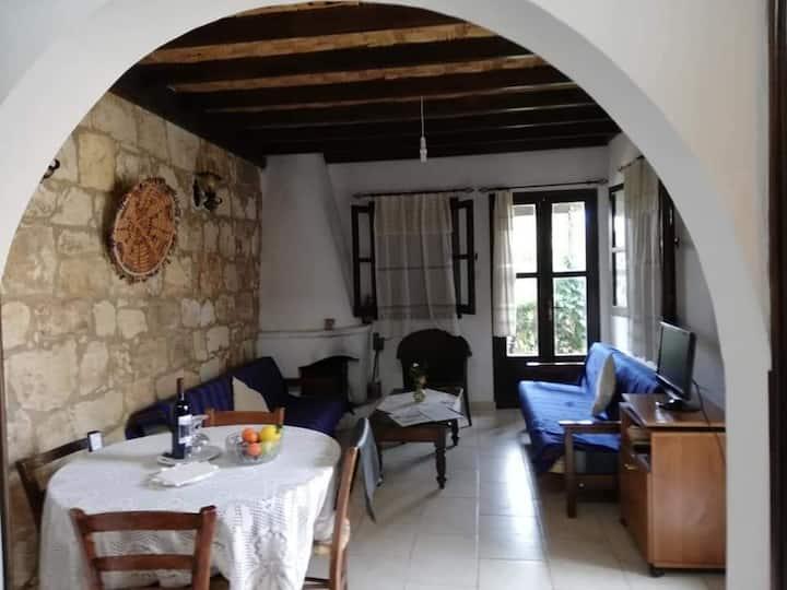 Παραδοσιακός Ξενονας με ησυχία κήπο  Θέα Kissos