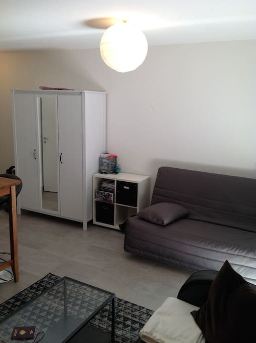studio 30 m2 climatis montpellier gare st roch apartments for rent in montpellier. Black Bedroom Furniture Sets. Home Design Ideas
