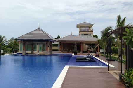Casa Seaside Rayong - Районг - Вилла