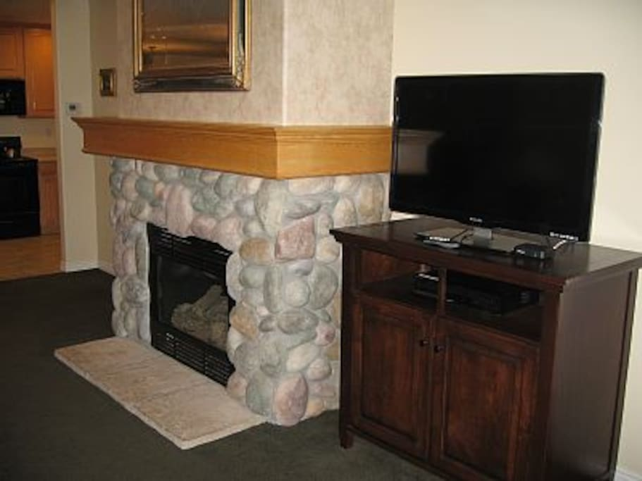 Livingroom Gas Fireplace