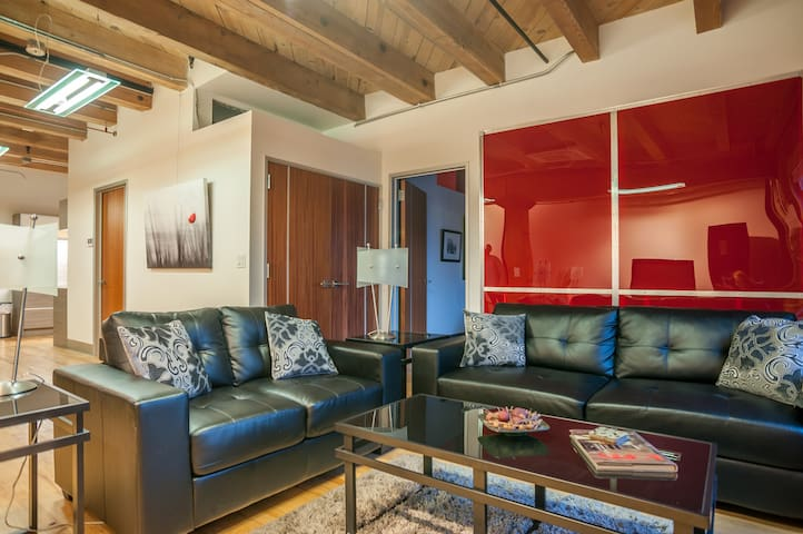 Authentic loft in Lodo across from Union Station