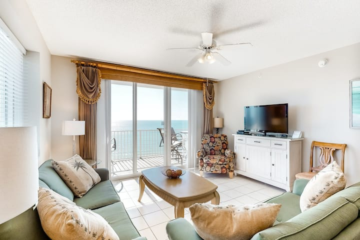 10th Floor Bright gulf view condo, Steps to the beach, Near Everything