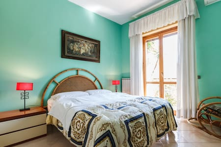 Happy Days Fiumicino Air n. 3 - Ponte Galeria - Bed & Breakfast