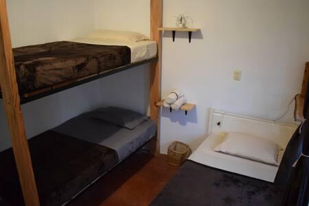 Habitación para 3 personas ubicado en el centro