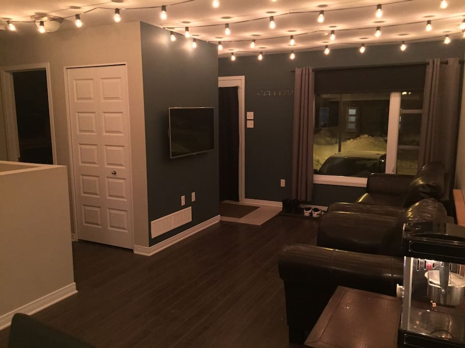 Living room with 42inch tv, netflix, sound system and ceiling speakers