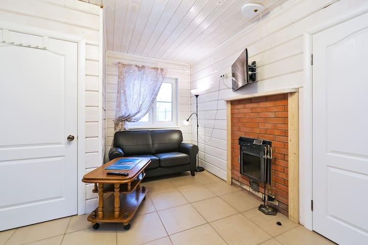 Rooms in Moscow cottage,SVO airport - Moskva - Hus