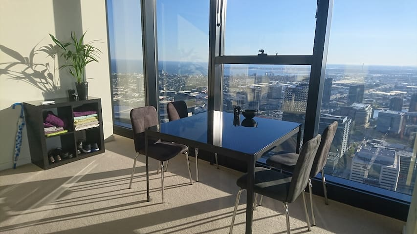 Luxurious private bedroom with ocean view - Melbourne - Byt
