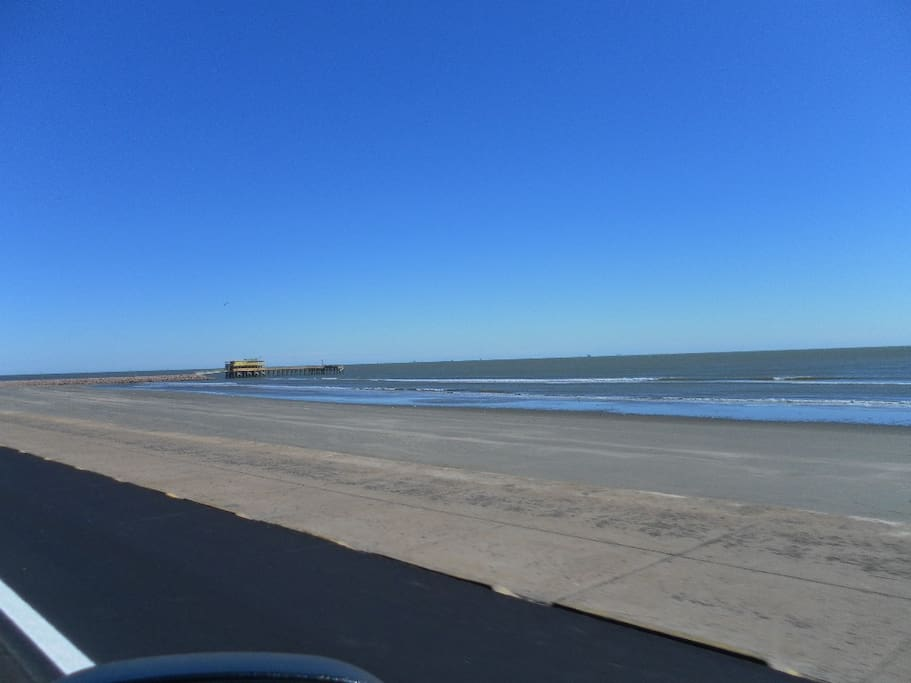Easy access for walking or driving to our wonderful beach 300 yds from house