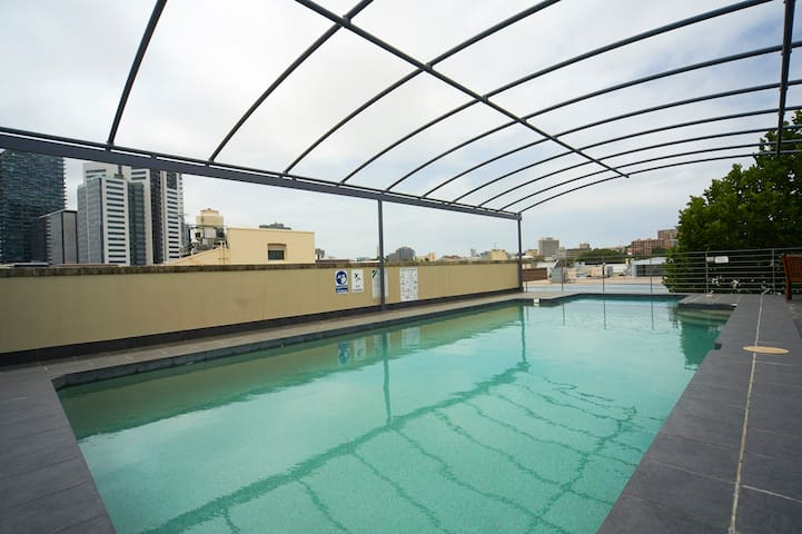So Central! 1 bedroom apt sleeps 4 - Chippendale - Appartement