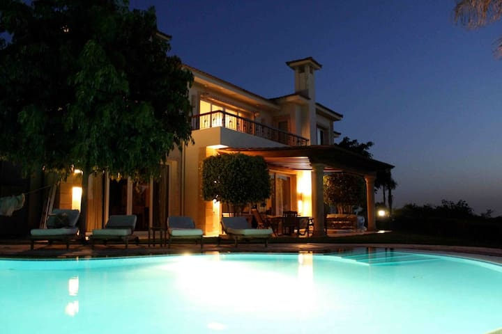 Villa for rent at new cairo Kattamya heights