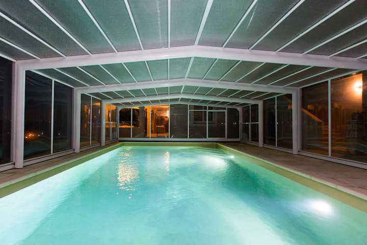 Suite dans B&B avec piscine chauffée vue mer