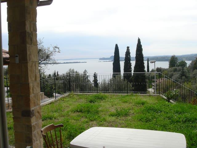 Schöne Wohnung in idealer Seelage - Gardone Riviera, Fasano - Byt
