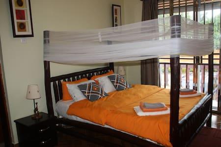 BAZINGA RONA APARTMENT - ROOM 3 - Kampala