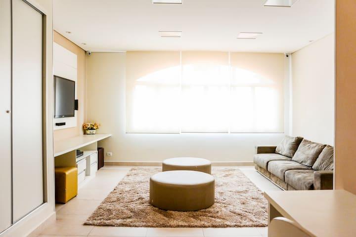 Sala de TV do condominio, com wifi e mobiliado para reunioes