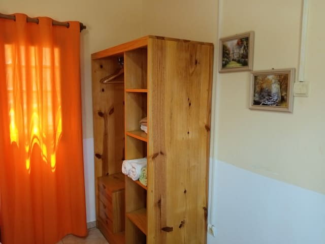 Second bedroom beautifully set for 3 guests.