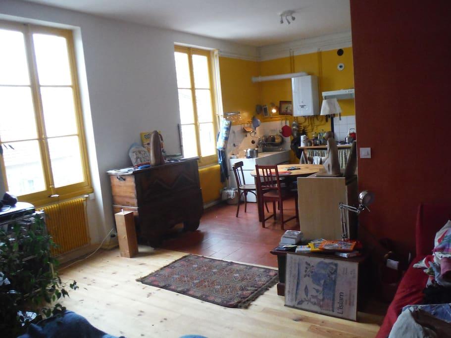 3 chambres dans t4 lyon apartments for rent in lyon rh ne alpes france. Black Bedroom Furniture Sets. Home Design Ideas