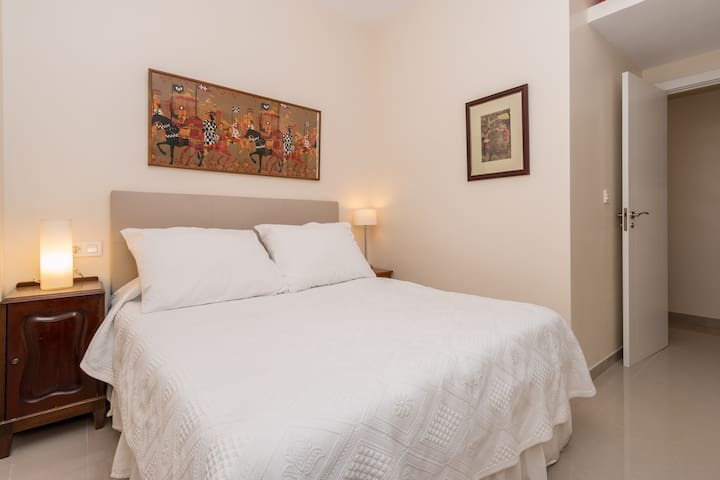 Comfortable, modern room in Granada - Granada - Apartment